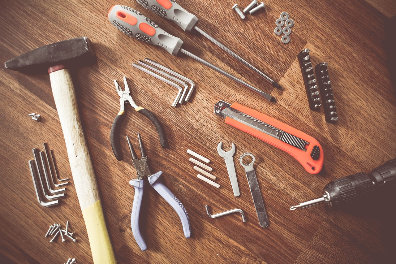 https://pixabay.com/photos/tools-construct-craft-repair-864983/